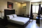 TARGET|ホテル寮1人部屋